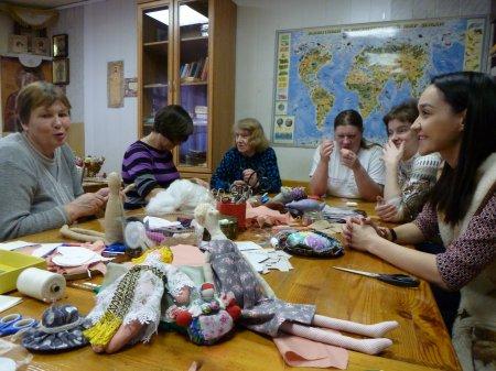 Творческая мастерская по изготовлению кукол.